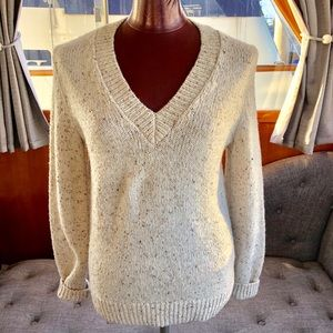 Banana Republic Ivory Cable Knit V Neck Sweater M